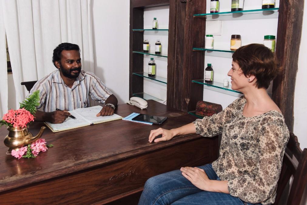インドで体調を崩したらどうする?インドの薬局や病院事情について解説します