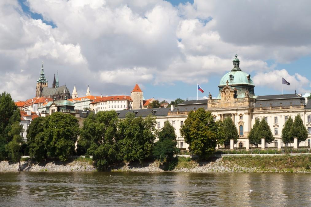 チェコでの暮らしはどんな感じ?気候や治安、学校教育について