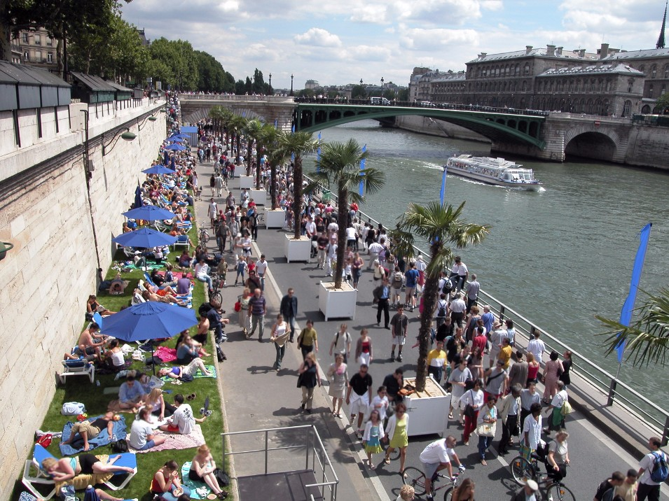 空の青さは格別!フランスの夏は日本とどこが違う?